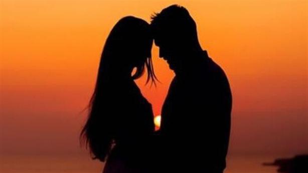 Chồng vô tư hẹn hò gái lạ khi tôi đi vắng