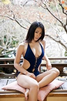 Yukie Kawamura là một trong những mỹ nhân nổi tiếng Nhật Bản.
