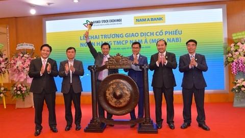 Nam A Bank lên sàn UPCoM khi đang tranh chấp cổ phần