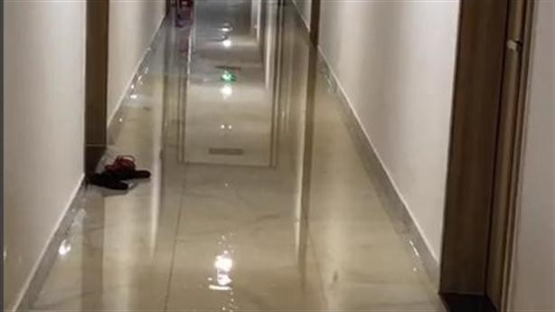 Ở tầng 10 chung cư vẫn bị ngập lụt