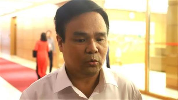 Thượng tướng Lê Chiêm nói rõ chuyện hàng cứu trợ làm quà