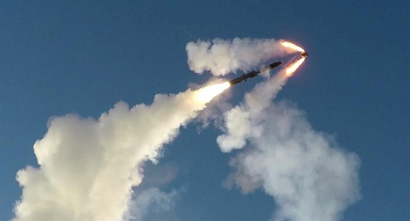 Tên lửa được trang bị công nghệ dẫn hướng rất hiện đại kết hợp giữa dẫn hướng quán tính, hệ thống định vị toàn cầu GPS. Ở giai đoạn cuối, tên lửa khóa mục tiêu bằng cảm biến hình ảnh hồng ngoại thụ động 2 băng tần cho phép phân biệt các mục tiêu trong môi trường lộn xộn.