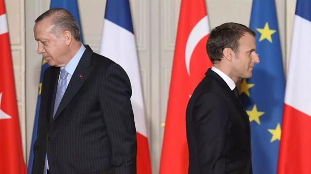 Pháp- Thổ tô thêm mâu thuẫn trong cộng đồng Hồi giáo