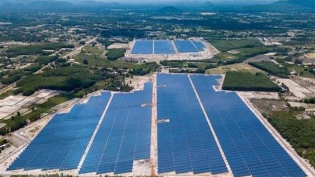 Điện mặt trời lấy đất rừng: Bài học thủy điện nhỏ