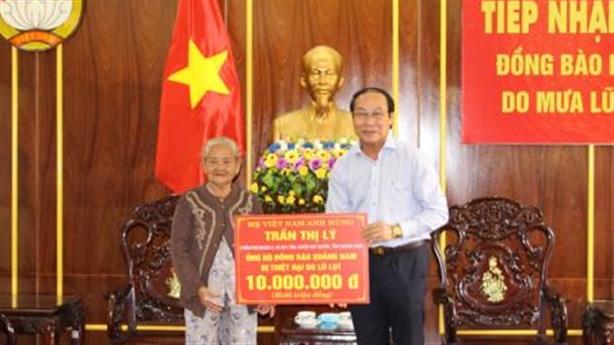 Mẹ Việt Nam Anh hùng ủng hộ 10 triệu: Tiền dành dụm