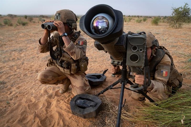 Armyrecognition.com dẫn nguồn tin từ Bộ Quốc phòng Pháp cho biết, quân đội nước này vừa được trang bị thêm dòng tên lửa chống tăng thế hệ mới MMP (Missile Moyenne Porteé) do Tập đoàn MBDA phát triển. Việc chuyển giao lô MMP cho Quân đội Pháp nằm trong thỏa thuận cung cấp 400 thiết bị phóng và 3.000 đạn tên lửa MMP được Bộ Quốc phòng Pháp ký với MBDA năm 2013.