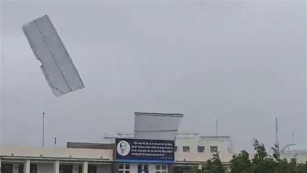 Hình ảnh đáng sợ khi siêu bão Molave vào miền Trung