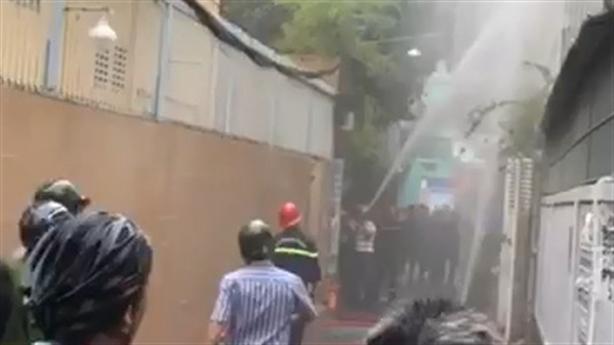 Người phụ nữ tử vong trong nhà cháy: Cổ có vết đâm