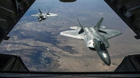 Mỹ gây chấn động khi đồng ý bán F-22 Raptor cho Israel