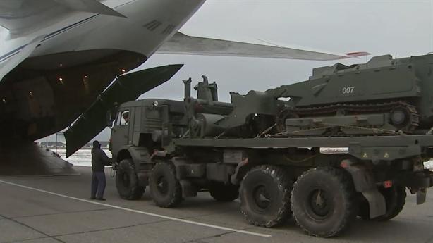 Nga mang robot chịu được 60kg TNT đến Nagorno-Karabakh