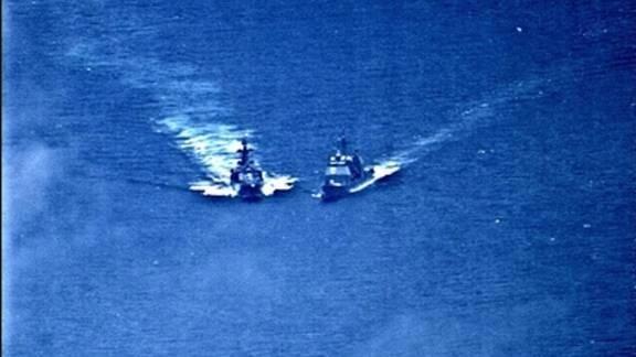 Chiến hạm Mỹ suýt bị đâm khi đi vào lãnh hải Nga