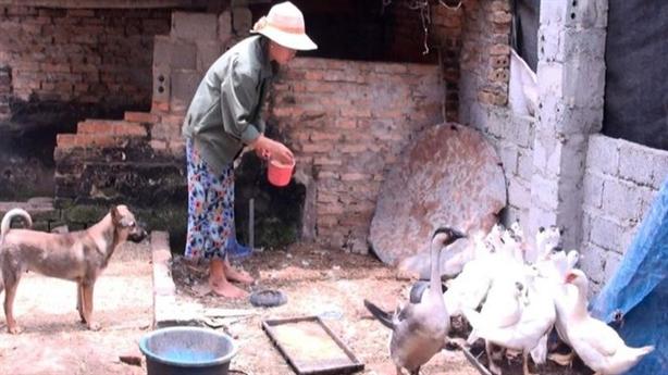 Bộ LĐ-TB&XH: Hỗ trợ hộ nghèo cán bộ còn nhầm...