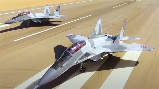 MiG-29 Ai Cập khoe siêu tên lửa khi căng với Thổ
