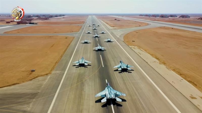 Nguồn tin này cho rằng, chỉ với RVV-SD trên MiG-29, Ai Cập có thể khiến Thổ Nhĩ Kỳ phải tính toán kỹ khi thực hiện bất cứ hành động nào có tác động đến Cairo. Bởi cùng với RVV-SD, trên tiêm kích Ai Cập còn có sự xuất hiện của cả KAB-500 - loại bom chính xác thường được Nga sử dụng không kích phiến quân tại Syria.
