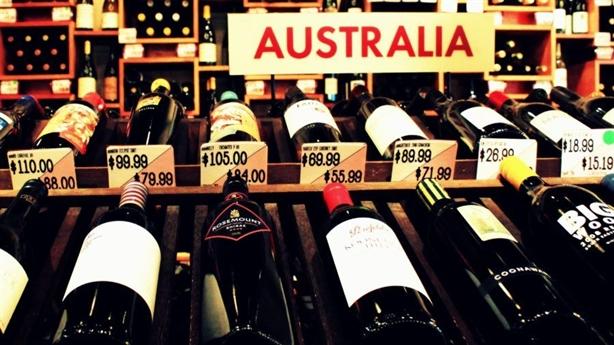 Trung Quốc tăng thuế rượu Úc, Canberra cố giữ hòa khí