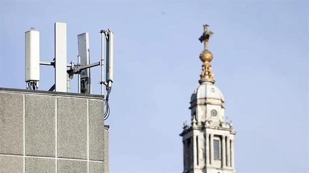 Anh chi 250 triệu bảng loại Huawei khỏi mạng 5G quốc gia