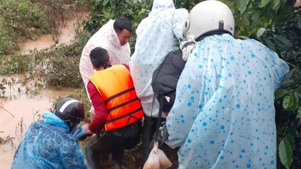 Tin mới vụ 4  du khách bị lũ cuốn ở Lâm Đồng