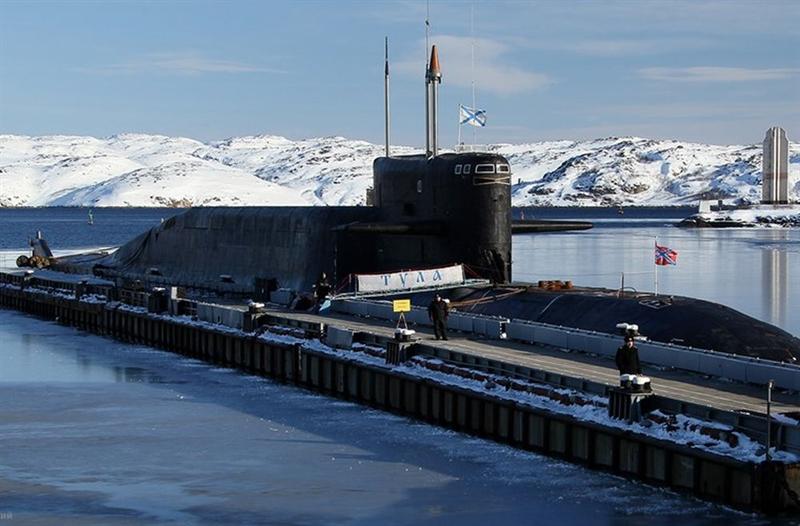 Thiết kế đặc biệt, cái lưng gù của tàu ngầm K-114 Tula chính là nơi đặt hệ thống vũ khí mạnh nhất của tàu này – hệ thống tên lửa đạn đạo liên lục địa với 16 ống phóng thẳng đứng.
