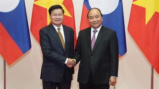 Thủ tướng Lào sang thăm Việt Nam