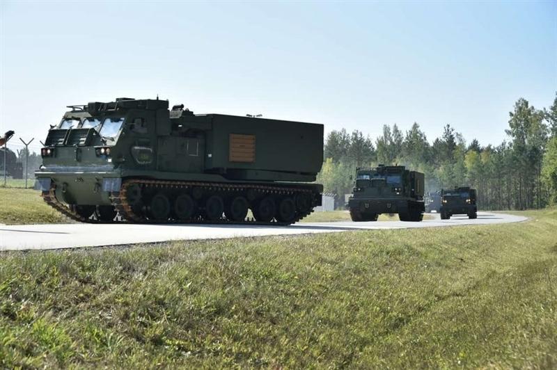 Chiến thuật bắn và ẩn nấp làm cho kẻ thù khó xác định vị trí của mình, sau khi bắn cơ động sang vị trí khác và thực hiện lại các cuộc tấn công khác. M270 cũng là nỗi sợ khủng khiếp không chỉ đối với bộ binh mà còn của các kho chứa nhiên liệu, kho vũ khí, đạn dược, sở chỉ huy địch và cũng có thể gây thiệt hại nghiêm trọng cho các loại xe tăng và xe bọc thép (có thể tiêu diệt hoàn toàn hoặc làm hư hỏng nặng không thể chuyển động).