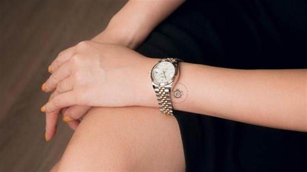 Boss Luxury gợi ý chọn đồng hồ cho phụ nữ bạn yêu
