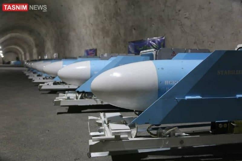 Thiếu tướng Hossein Salami, Tư lệnh IRGC và là người khánh thành căn cứ tên lửa mới này tuyên bố: \