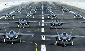 Thứ hai, cũng là kịch bản Chiến tranh Lạnh phiên bản mới nhưng chỉ đi kèm với các cuộc xung đột khu vực ngắn hạn tương tự như Chiến dịch Bão táp sa mạc. Thứ ba, tiến hành các hoạt động trong bối cảnh hòa bình, chẳng hạn như thiết lập và duy trì vùng cấm bay. Thứ tư, phải tiến hành các hoạt động chống bạo loạn. Kết quả nghiên cứu của RAND dựa vào những dữ liệu trong lịch sử hoạt động thực tế của Không quân Mỹ.