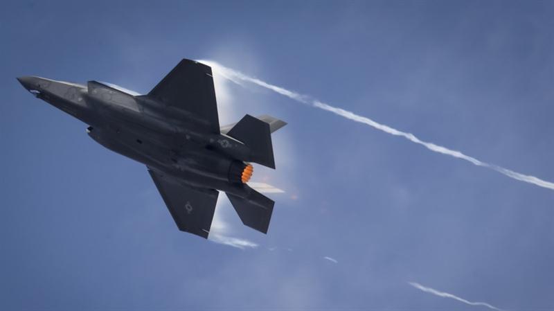 Doanh nghiệp phát triển AGM-88G AARGM-ER là công ty Northrop Grumman của Mỹ. Vũ khí này được chế tạo năm 2015 và dự kiến sẽ được đưa vào phiên chế quân đội Mỹ năm 2023. Tên lửa được trang bị đầu đạn có hệ thống dẫn đường quán tính và toàn cầu (từ vệ tinh), cũng như cảm biến hồng ngoại. Vũ khí này khác với tên lửa chống bức xạ tốc độ cao AGM-88E (HARM) ở điểm nhỏ gọn hơn, tầm bắn và tốc độ cao hơn, cũng như sử dụng động cơ, đầu đạn và các hệ thống điều khiển mới.