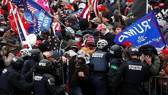 Bạo loạn trên đồi Capitol: Mỹ tìm dấu vân tay Nga...