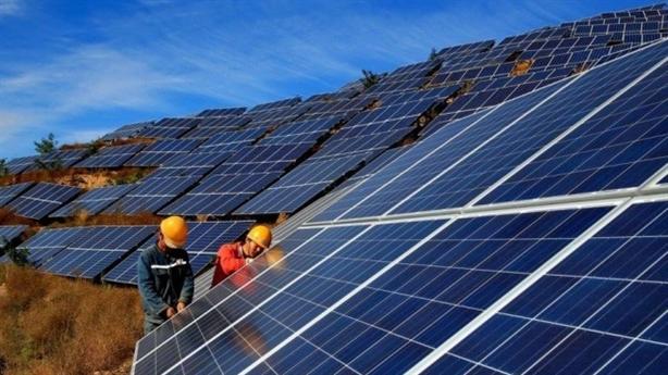 Cắt giảm 1,3 tỷ kWh năng lượng tái tạo: Nghịch lý là...