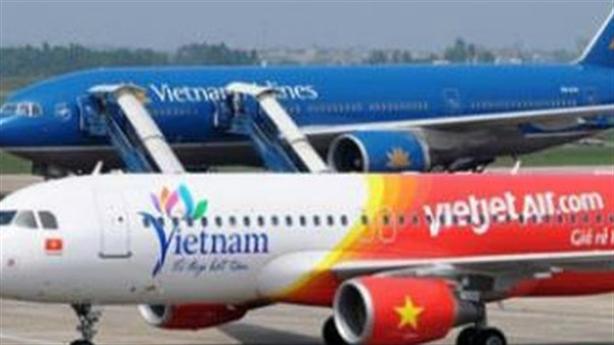 Cục hàng không 'tuýt còi' 3 hãng bán vé vượt Slot