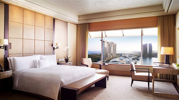 Đại gia Phú Quốc, Nha Trang phải bán khách sạn trăm tỷ