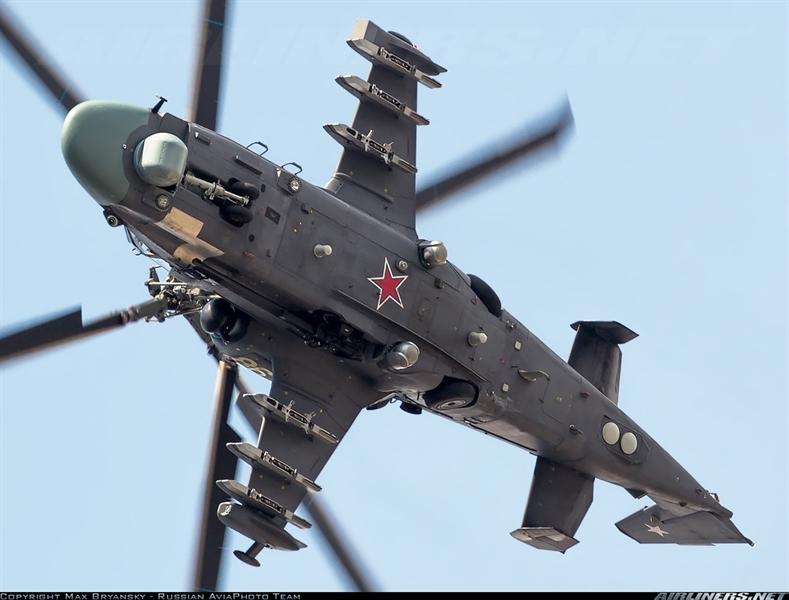 Quyết định được Nga đưa ra sau khi đánh giá kết quả thử nghiệm Rezets trên phiên bản Ka-52K. Hệ thống Rezets có thể phát hiện nhóm xe tăng từ 45 km, một cây cầu đường sắt cách xa 100 km hoặc tàu khu trục từ 150 km. Trong nhiệm vụ phát hiện mục tiêu đường không, Rezets có tầm giám sát được đánh giá tương đương với radar AESA trên chiến đấu cơ Mỹ.