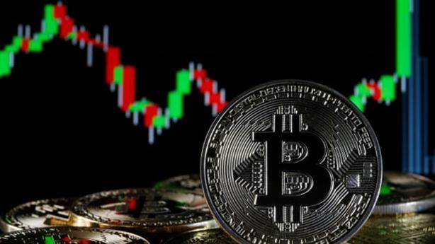 Bitcoin lần đầu vượt mốc 50.000USD: Tự tin không bị bán tháo?