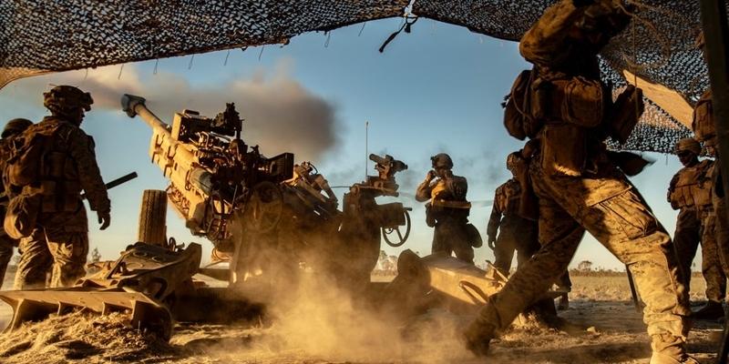 Quân đội Mỹ vừa công bố về kế hoạch đầy tham vọng về việc trang bị lại cho quân đội Mỹ bằng các loại tổ hợp tên lửa và tổ hợp pháo binh tầm xa. Nguyên nhân khiến Mỹ đưa ra quyết định này là do những thành quả đáng kinh ngạc mà Nga đã đạt được.