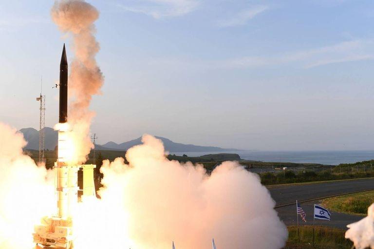Theo Times of Israel, hôm 18/2, Bộ Quốc phòng Israel cho biết đang hợp tác với Mỹ để phát triển tổ hợp phòng thủ tên lửa đạn đạo mới mang tên Arrow-4, lớp lá chắn tiếp theo trong hệ thống phòng thủ tên lửa đa tầng của Israel.