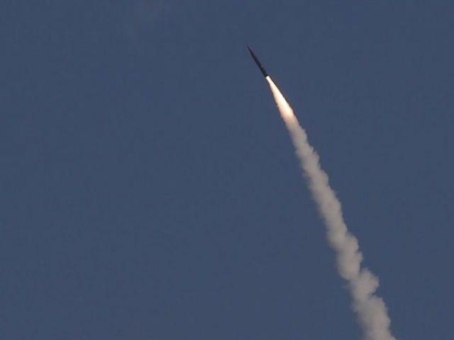 Được Tập đoàn Boeing cùng hợp tác sản xuất, tổ hợp phòng thủ tên lửa Arrow 3 của Israel có khả năng tiêu diệt các mục tiêu ở ngoài bầu khí quyển. Đây được coi là hệ thống phòng thủ đứng hàng đầu thế giới, bên cạnh hệ thống THAAD của Mỹ và S-500 của Nga.