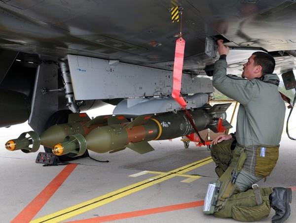 Với phương án này cho phép giảm đáng kể giá thành hơn là việc chế tạo quả bom thông minh hoàn toàn, đơn giá một quả khoảng 19.000 USD.