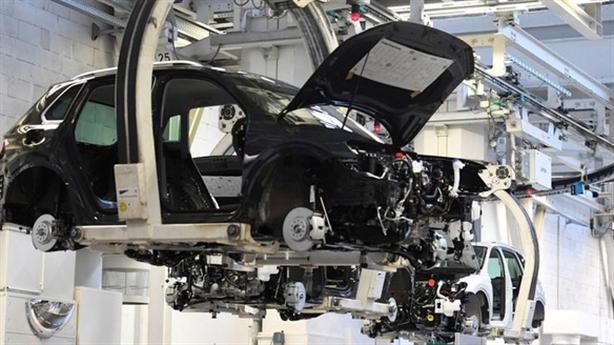 Ngành công nghiệp ô tô khủng hoảng vì thiếu chip: Cơ hội...