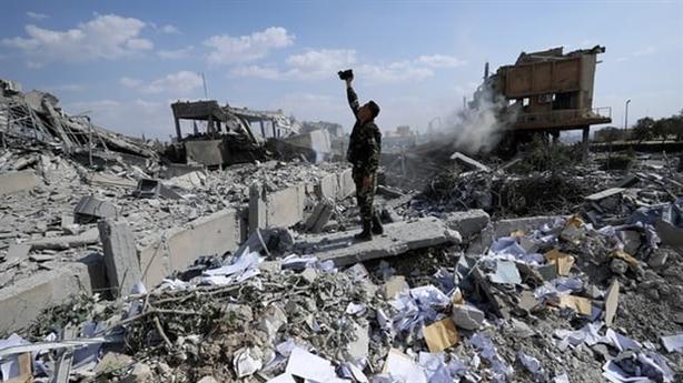 Mỹ công khai dội lửa vào Syria