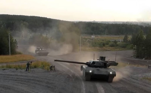Armata mới với quy chuẩn về đặc tính kỹ - chiến thuật, hệ thống nạp đạn, cơ cấu khoang lái và thiết bị hỗ trợ điều khiển bắn mới. Theo các thông tin mới nhất, Armata được trang bị module chiến đấu tự động hóa hoàn toàn cho phép sử dụng tháp pháo khác với xe tăng truyền thống.
