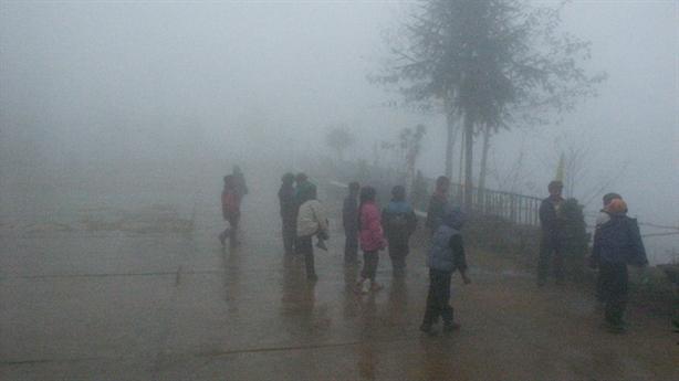 Nhiệt độ tại Mẫu Sơn giảm còn 7,5 độ C