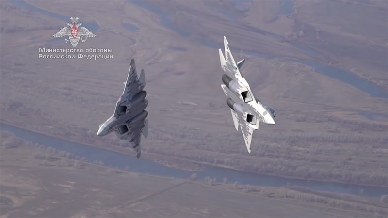 Nguồn tin cho biết, đã gần 40 năm qua R-33 chỉ được sử dụng duy nhất trên máy bay tiêm kích đánh chặn MiG-31. Tuy nhiên, biến thể mới của nó, được đặt tên là RVV-BD sẽ được sử dụng trên bất kỳ máy bay chiến đấu nào, đặc biệt là tiêm kích tàng hình Su-57.