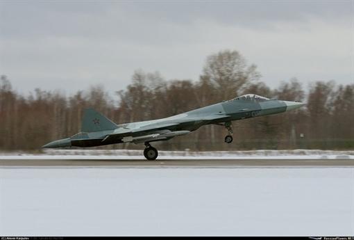 Cùng với các tên lửa mới được giới thiệu trước đó, hãng GosMKB Vympel thuộc KTRV đã đổi mới cả dòng sản phẩm vũ khí có điều khiển dùng cho tiêm kích Su-57 khi không chiến, từ đánh cận chiến cơ động cho đến đánh tầm xa ngoài tầm nhìn.