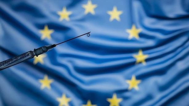 Vì sao châu Âu không thể ngó lơ vaccine Nga?