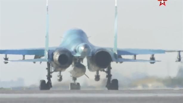 Su-34/35 diễn tập hàng ngày phòng Tartus và Hmeymimm bị tấn công