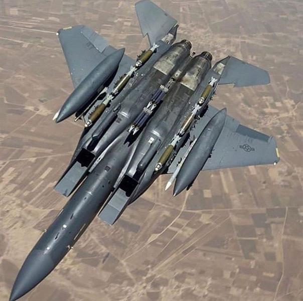 Trước đây, USAF cần hai vận tải cơ C-130 để chuyển đủ bom và nhân lực cho một biên đội F-15E, họ cũng mất thời gian lắp ráp khi tới căn cứ tiền phương. Việc lắp bom JDAM hoàn thiện trên những chiếc F-15E sẽ cắt giảm một máy bay C-130 cũng như thời gian chuẩn bị cho nhiệm vụ.