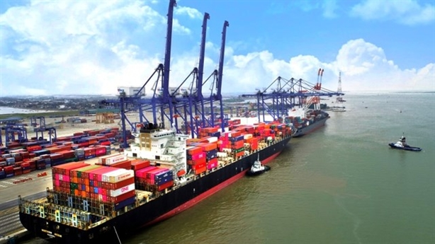 Sẽ xây dựng 2 bến container tại cảng Lạch Huyện