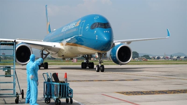 Xem xét xử lý sai phạm trong cách ly của Vietnam Airlines