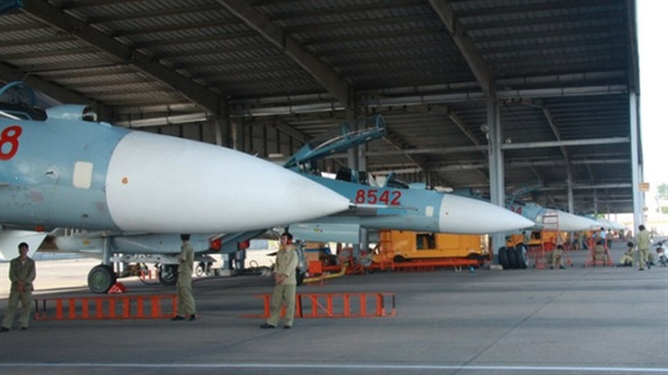 Việt Nam tự sửa chữa máy tính trên Su-30